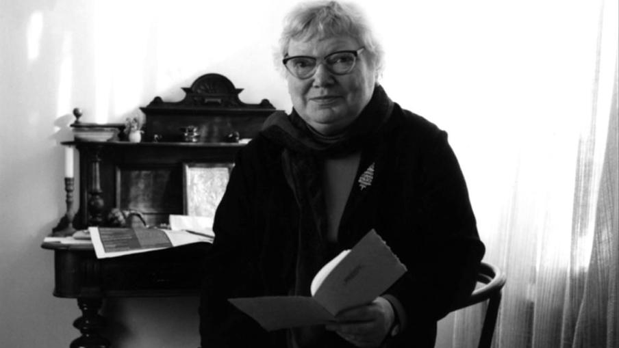 Billede fra dokumentarfilmen Inger, Christensen - Cikaderne findes, på Filmcentralen.