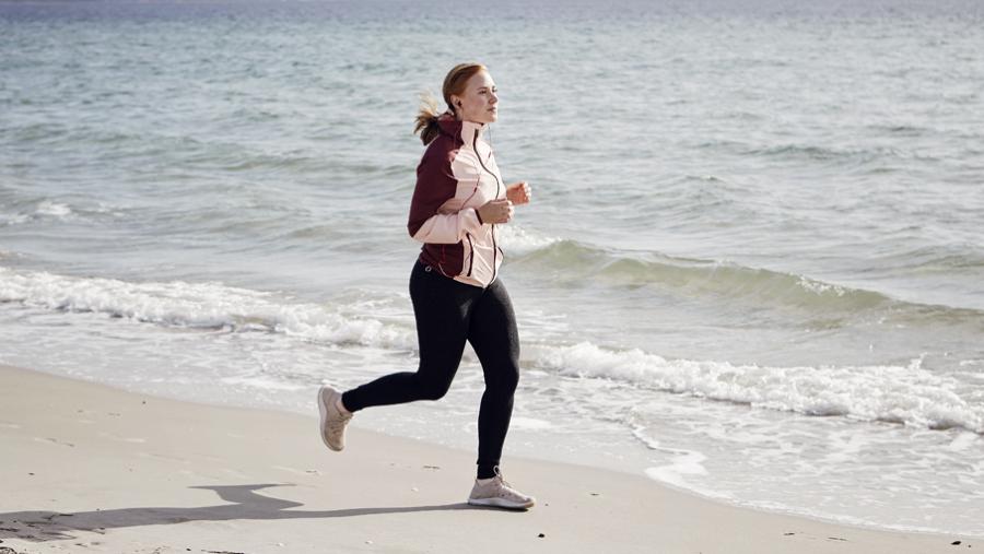 Hør en lydbog på eReolen, mens du løber en tur.
