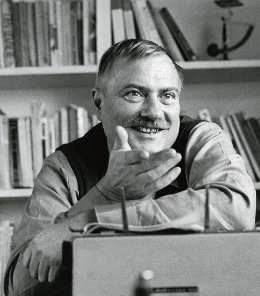 Forfatter Leif Panduro skrev romanen 'Øgledage', som blev udgivet i 1961.